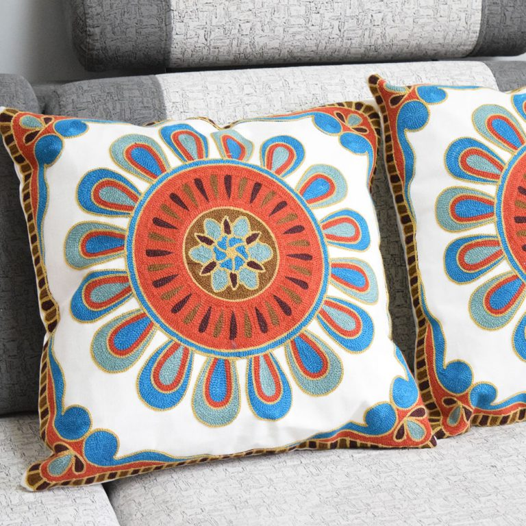 cushion-embroidered-morrocan-3