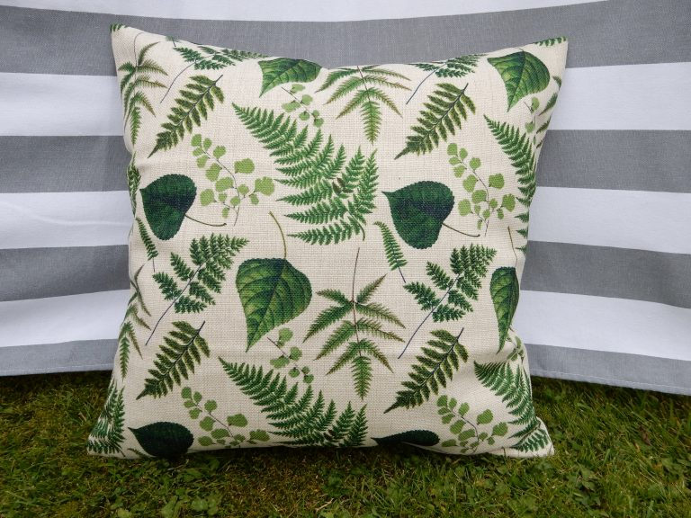dr-ellie-botanical-leaves-cushion-cover-main